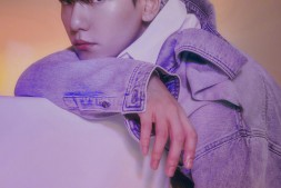 EXO成员伯贤凭借个人专辑,连续两次创下了百万销量的纪录